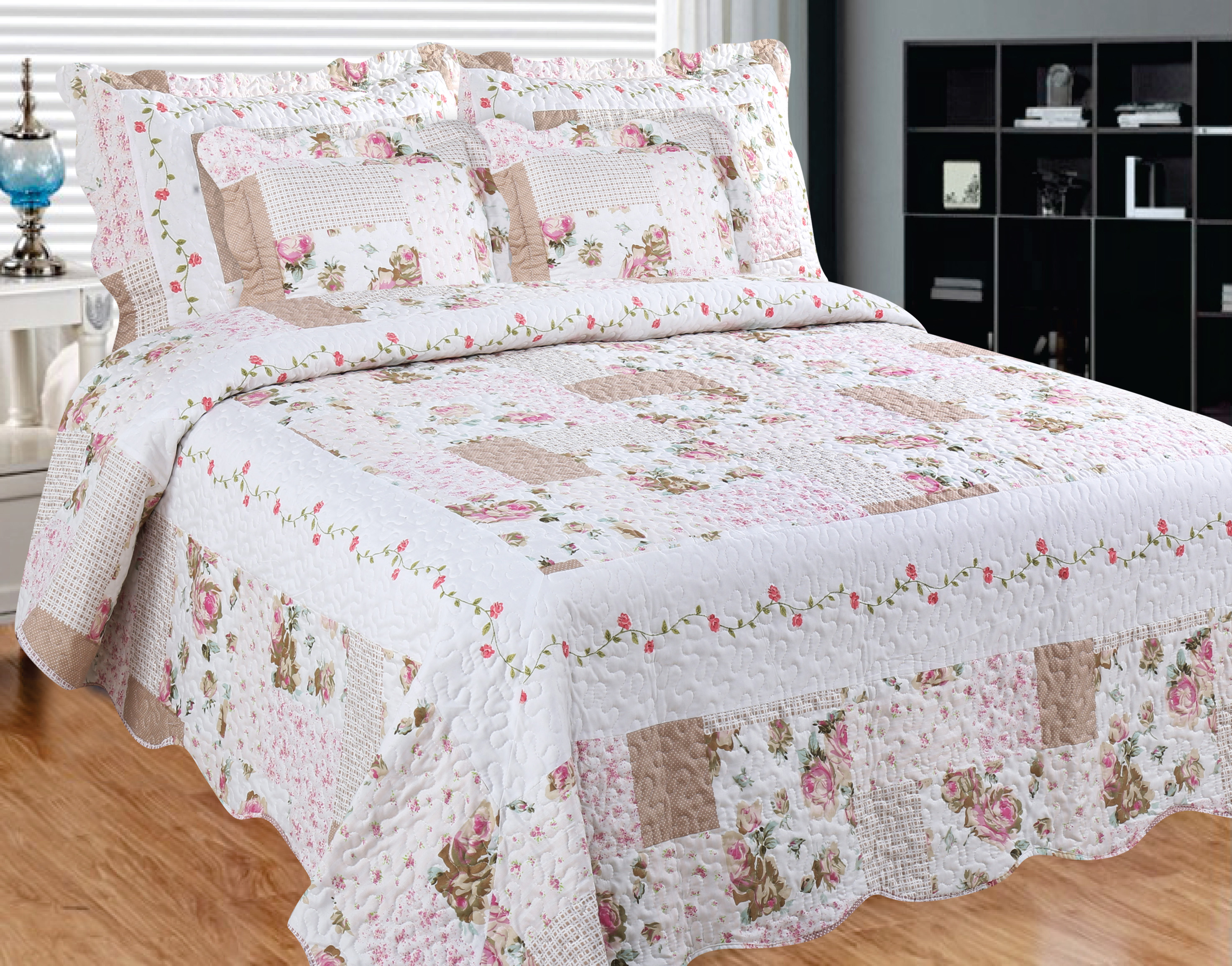 Camellia Main Quilt with Pillow Shams by Patch Magic