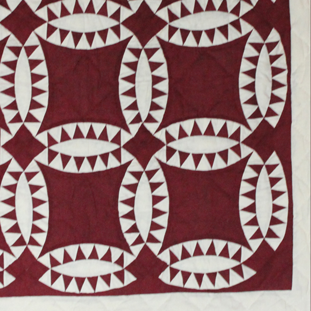 """Red and white Wedding Ring King Quilt 105""""W x 95""""L"""