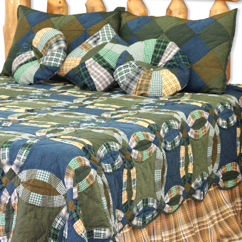 "Chambray Ring Twin Quilt 65""W x 85""L"
