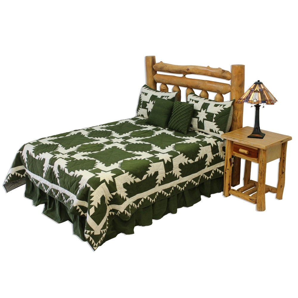 "Green Feathered Star Super King Quilt 110""W x 96""L"