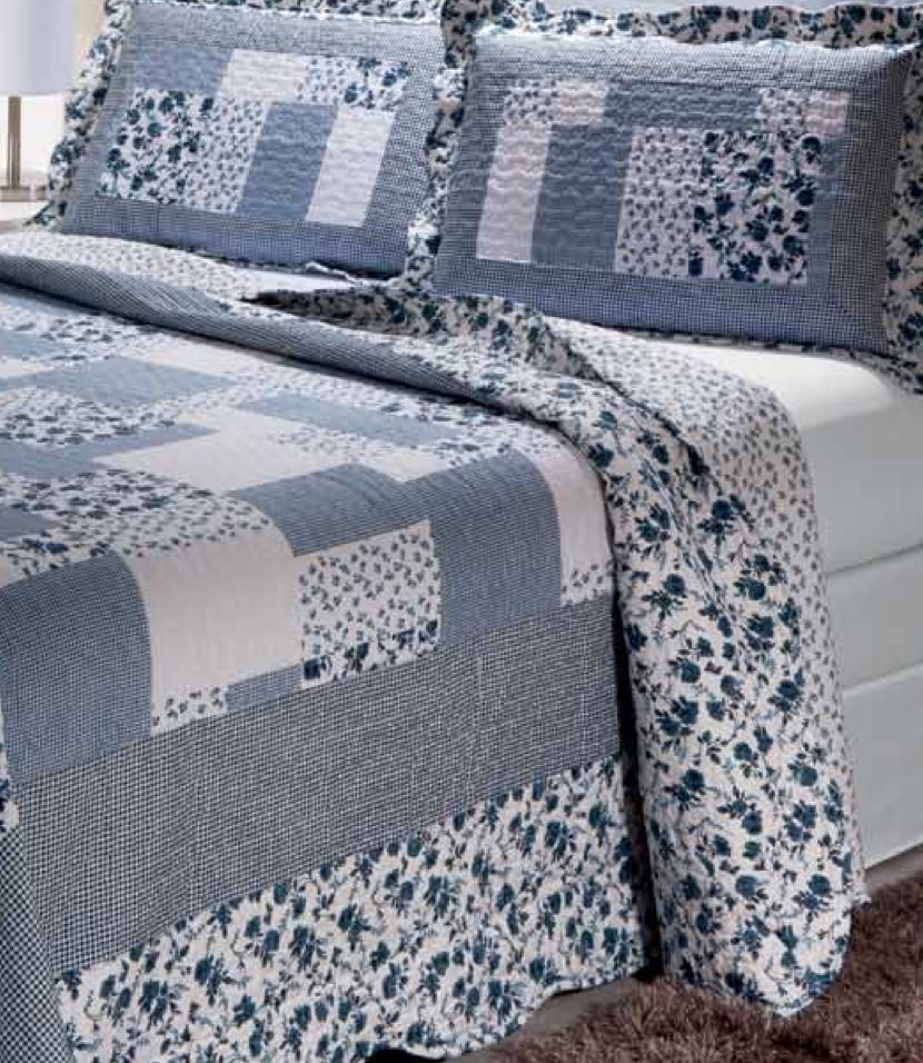 "Periwinkle Dash 4 piece set, super king-110""x96"", 3-standard pillow shams"